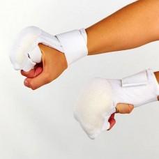 Накладки (перчатки) для карате MFT-1041B